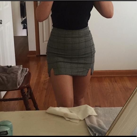 Brandy Melville Dresses & Skirts - Pacsun (brandy Melville) plaid skirt